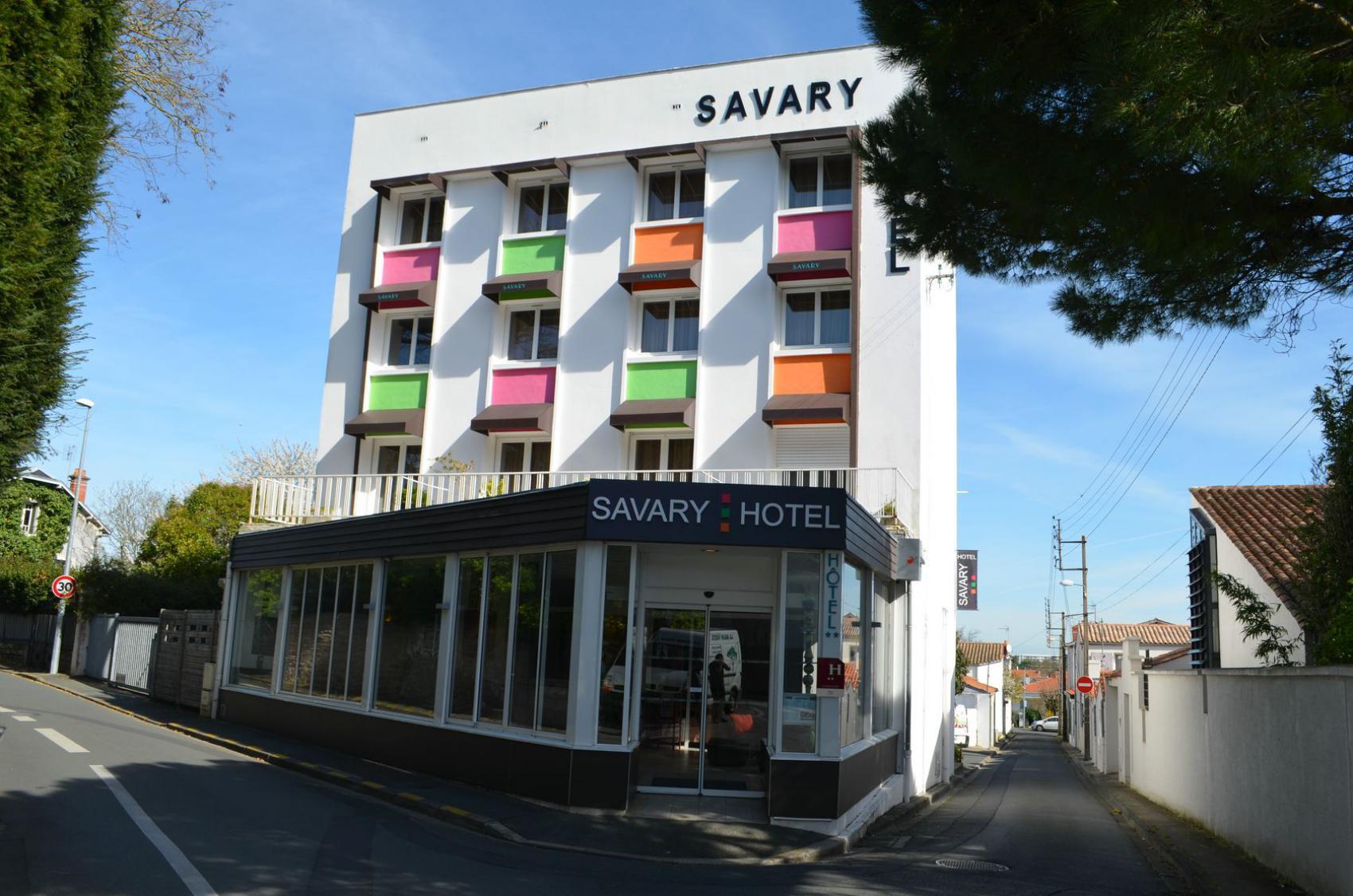 Hôtel Situé à Proximité Du Centre Ville De La Rochelle Et Promenade Mail