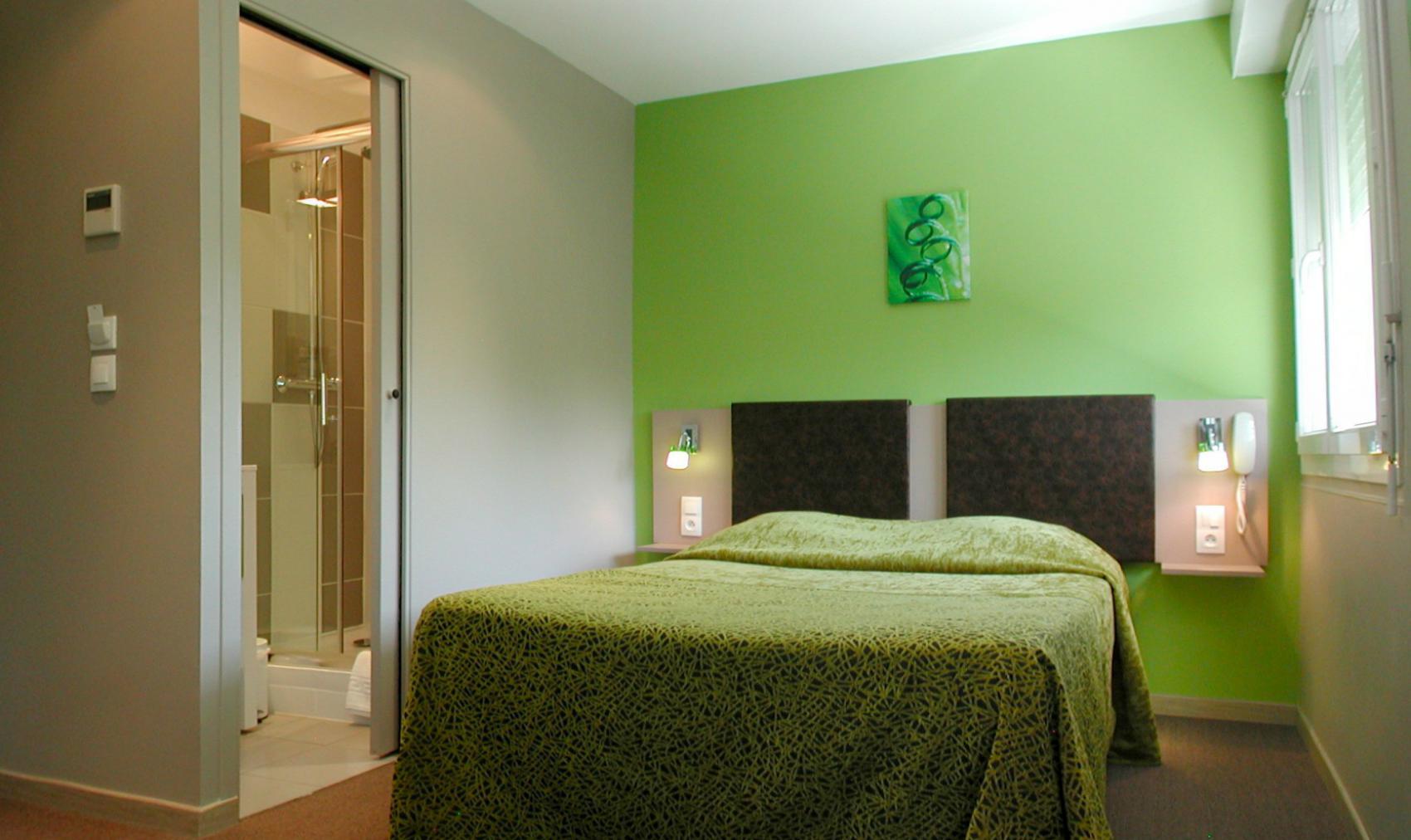 chambre double la rochelle chambres doubles entirement quipes de l htel savary en centre
