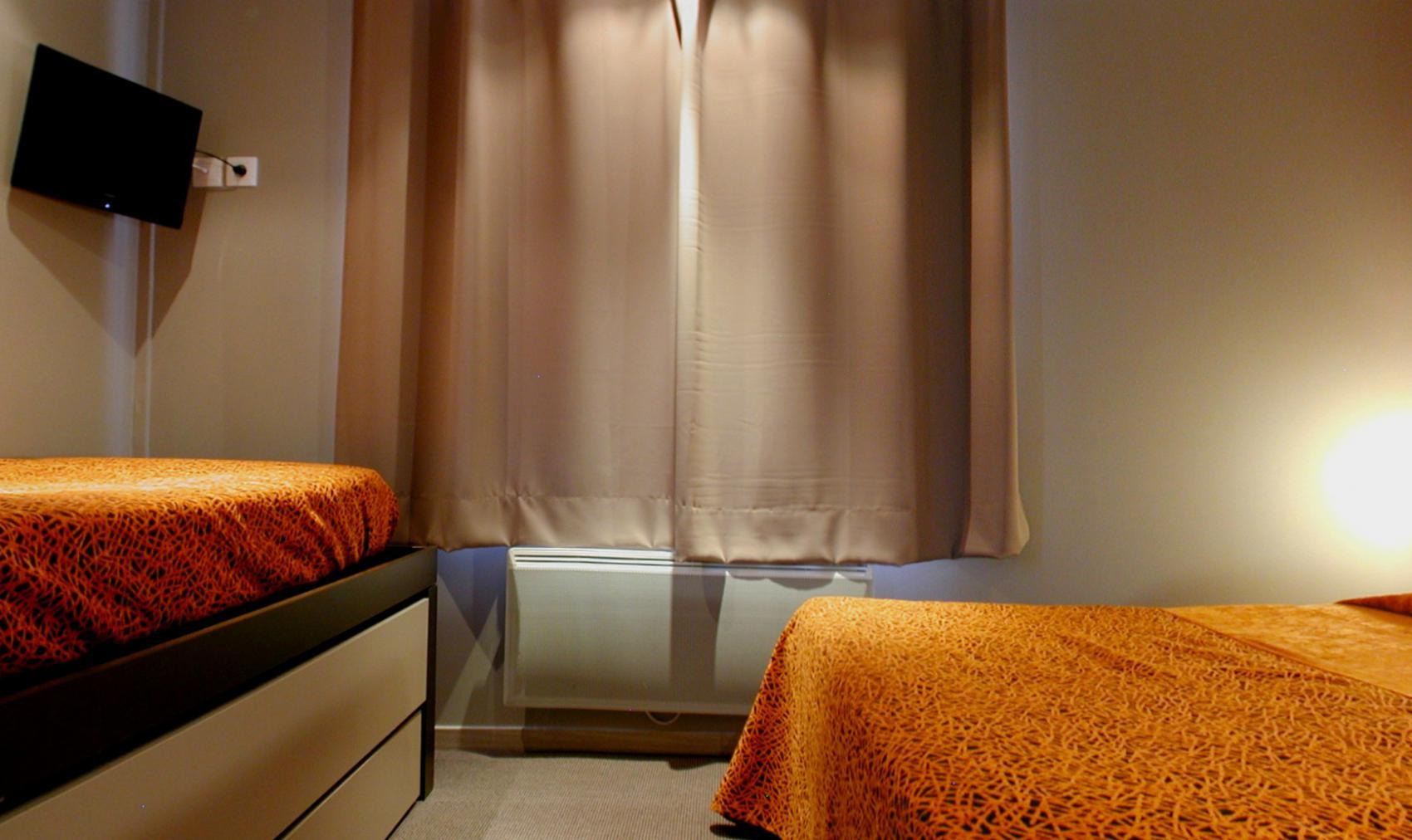 chambre familiale la rochelle chambres familiales entirement quipes de lhtel savary en centre